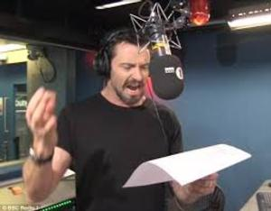 Hugh Jackman Sings About Wolverine