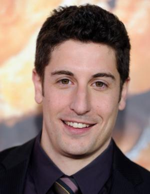 Jason Biggs Causes Twitter Controversy by Posting Malaysia Airline Jokes
