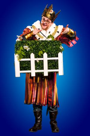 Joe Pasquale Returns as 'King Arthur' in West End's SPAMALOT