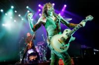 The Darkness' LET THEM EAT CAKES World Tour to Launch in US, Jan 2013