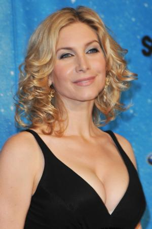 ABC's 'Once Upon a Time' Casts Elizabeth Mitchell for FROZEN Storyline