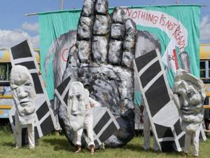Bread & Puppet Theater Takes Annual Labor Day Weekend 'Little Big Tour' to Boston, 8/30-31