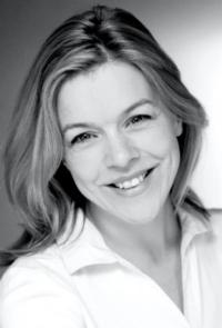 Janie Dee Stars In HELLO, DOLLY! At Curve Leicester For Christmas; Replaces O'Connor