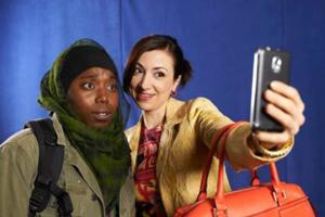 BWW Reviews: World Premiere of VEILS Tackles Thorny Cultural Issues