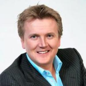Aled Jones to Host Julie Andrews' UK Tour