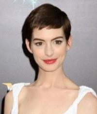 Anne Hathaway Marries Adam Shulman