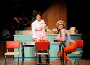 BWW Reviews: Ocean State Theatre Kicks Off Summer with Pitch-Perfect ALWAYS...PATSY CLINE