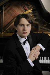 Daniil Trifonov Makes NY Philharmonic Debut Performing Prokofiev, Now thru 10/2