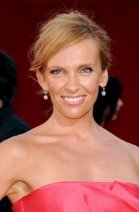 Toni Collette to Star in Jerry Bruckheimer's HOSTAGES Pilot for CBS