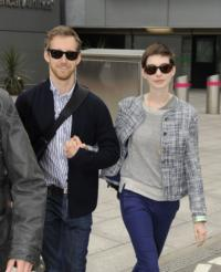 Anne Hathaway Marries Boyfriend Adam Shulman