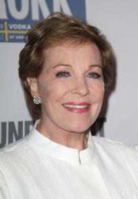 Julie Andrews Fully Endorses THE SOUND OF MUSIC Remake!