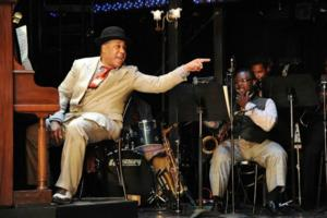 BWW Reviews: Bucks County Playhouse Presents an Energetic AIN'T MISBEHAVIN'