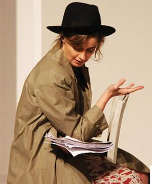 BWW Reviews:  Intimate French Language SAVANNAH BAY Intrigues at Kennedy Center