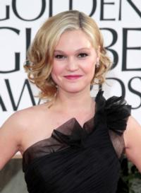 -Julia-Stiles-Signs-on-for-Mary-Pickford-Biopic-20130201