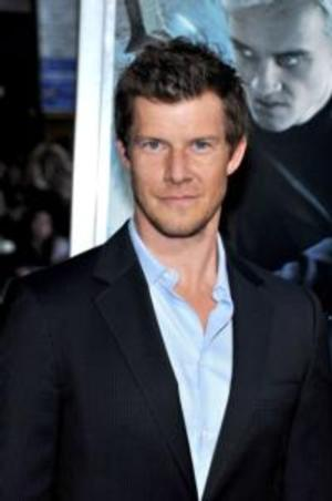 Hallmark Channel to Premiere SIGNED, SEALED, DELIVERED with Eric Mabius on 4/20