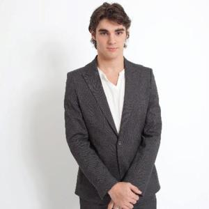 'Breaking Bad's R.J. Mitte Joins SWITCHED AT BIRTH
