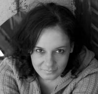 LOVE-LOSS-AND-WHAT-I-WORE-Star-Studded-Cast-Announced-20010101