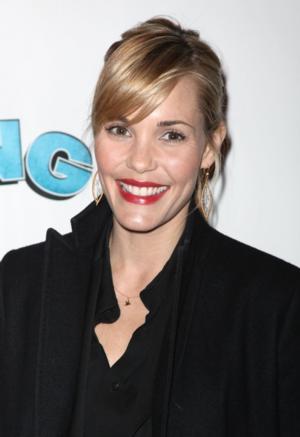 Leslie Bibb to Lead NBC's Comedy Pilot LOVE IS RELATIVE
