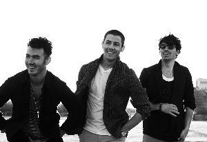 Jonas Brothers No More? Tween Girls Remain Uncertain of Trio's Fate