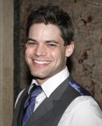 Jeremy Jordan, Susan Blackwell and More Set for 5th Annual Joe Iconis Christmas Spectacular At 54 Below