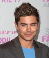 Zac Efron Says He Would 'Love to Do Broadway'