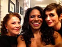 Audra McDonald, Raul Esparza, Anne Hathaway & More Sing CABARET Favorites at Joe's Pub
