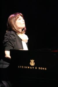Hershey Felder to Helm THE PIANIST OF WILLESDEN LANE, Starring Mona Golabek at Laguna Playhouse, 5/29-6/9