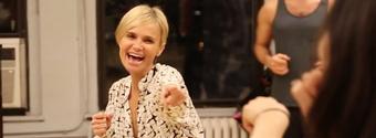 BWW TV: BroadwayWorld.com & Kristin Chenoweth Fan Clubs Exclusive - Happy Holidays from Kristin Chenoweth!