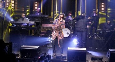 VIDEO: Dej Loaf Performs Hit Single 'Try Me' on TONIGHT SHOW