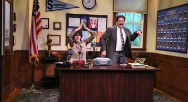 VIDEO: Julianna Margulies & Jimmy Make Musical Morning Announcements on TONIGHT