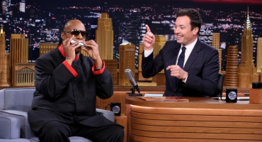VIDEO: Stevie Wonder Plays Harmonica; Talks Upcoming Tour on TONIGHT SHOW