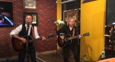 Watch The Rembrandts Perform FRIENDS Theme Song at NY Central Perk Pop Up Shop