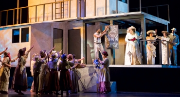 BWW Reviews: Indulge in the Fantasy with Washington National Opera's Beautiful FLORENCIA IN THE AMAZON