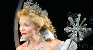 Kristin Chenoweth Sings & Chats WICKED Movie: 'I'd Love To Be In It Somehow'