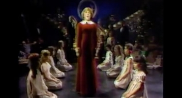 VIDEO: BWW's 12 Days of Christmas with Guest Editor Richard Jay-Alexander; Day 10 - The Original Broadway ANNIE with Andrea McArdle