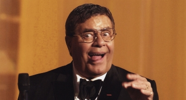 STAGE TUBE: Jerry Lewis to Play Paramount's Aurora Theatre, 10/26