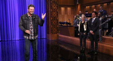 VIDEO: 'The Voice's Blake Shelton & Gwen Stefani Compete in Epic Lip Sync-Off on TONIGHT SHOW