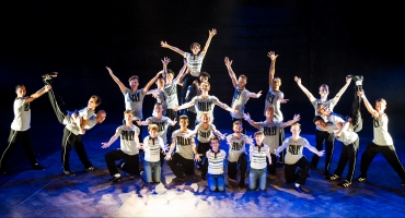 Photo Coverage Special: 25 Billy Elliots Unite in Special Finale of BILLY ELLIOT THE MUSICAL for Live Taping!