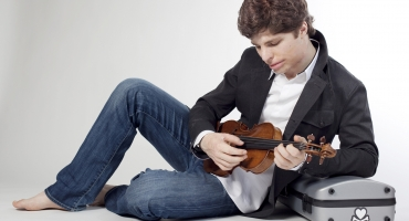 Augustin Hadelich Returns to the Rhode Island Philharmonic Orchestra to Kick Off 70th Anniversary Season, 9/20