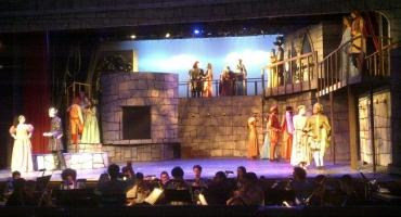 BWW Reviews: ONCE UPON A MATTRESS Gets the Royal Treatment at The Hamilton Academy of Music