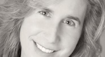 Tanya Stone Celebrates 100th Book