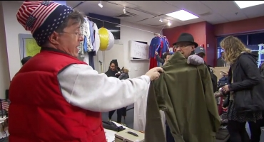 VIDEO: Stephen Wraps Up COLBERT REPORT with Memorabilia Yard Sale