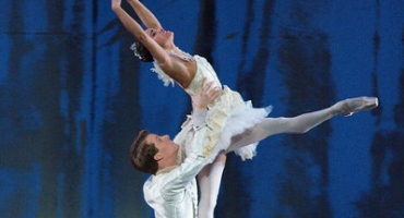 BWW Reviews: Misty Copeland Transforms into Princess Clara
