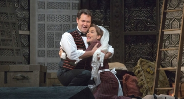 BWW Reviews: Met Takes New FIGARO in Marriage for Season Opener