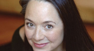 Broadway Vet Victoria Mallory Dies at 64