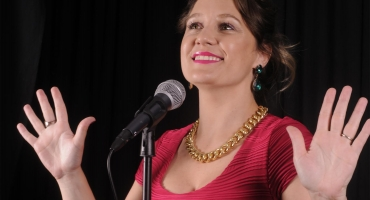 BWW Reviews: STEALING THE SHOW
