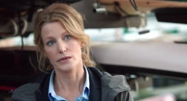 BWW Interview: Anna Gunn on GRACEPOINT's Balancing Act