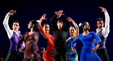 BWW Reviews: THE SOUL OF FLAMENCO Stuns at Walt Whitman Theatre