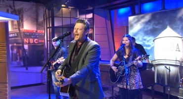 VIDEO: Blake Shelton Performs New Single 'Neon Light' on TODAY