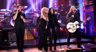 VIDEO: Little Big Town Perform 'Stay All Night' on TONIGHT SHOW